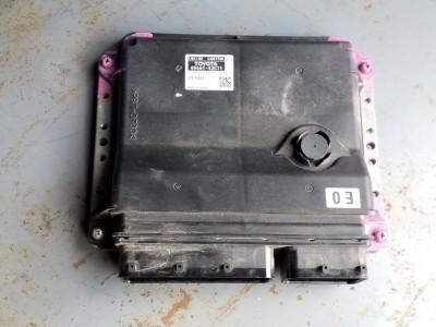 bontott motorvezérlő egység TOYOTA RAV 4 III (A30) R/242#6477 raktárazonosítóval