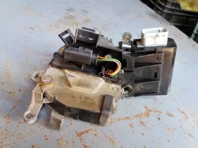 bontott zár / zárszerkezet BMW 5 - IV (E39) R/245#6361 raktárazonosítóval