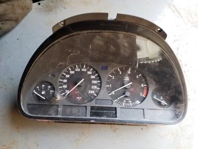 bontott műszercsoport / óracsoport BMW 5 - IV (E39) R/249#6320 raktárazonosítóval