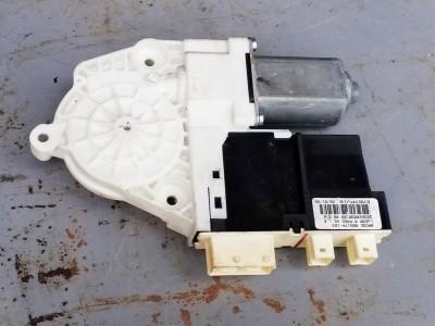 bontott ablakemelő motor PEUGEOT 807 (E) R/260#6030 raktárazonosítóval