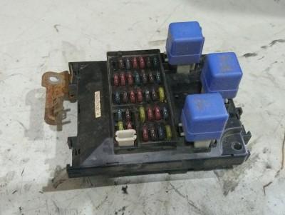 bontott biztosíték tábla / doboz NISSAN ALMERA I (N15) R/002#4221 raktárazonosítóval