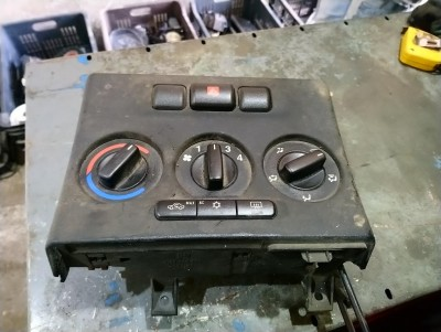bontott fűtéskezelő panel OPEL ZAFIRA A (F75_) R/020#5115 raktárazonosítóval