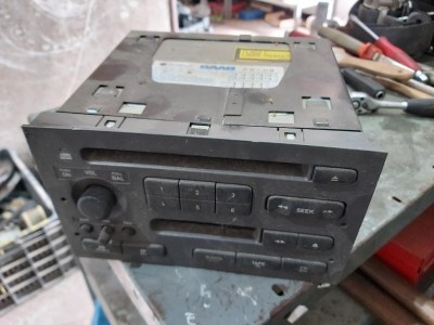 bontott gyári fejegység / rádio SAAB 9-5 (YS3E) R/039#5496 raktárazonosítóval