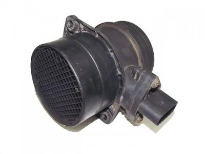 bontott légtömegmérő / légmennyiségmérő VW PASSAT (3B3) 260/GY03843 raktárazonosítóval