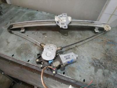 bontott ablakemelő szerkezet plusz motor SUZUKI LIANA (ER, RH_) R/233#4410 raktárazonosítóval