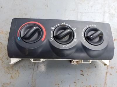 RENAULT CLIO II (BB0/1/2_, CB0/1/2_) 1.5 dCi fűtéskezelő panel