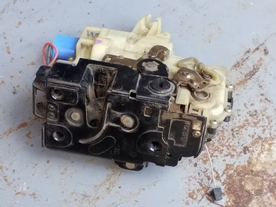 SEAT CORDOBA (6L2) 1.4 16V jobb hátsó zár / zárszerkezet