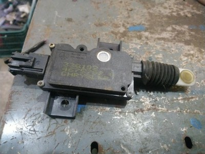 CHRYSLER VOYAGER III (GS) 2.5 TD központi zár motor
