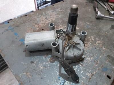 CHRYSLER VOYAGER III (GS) 2.5 TD hátsó ablaktörlő motor