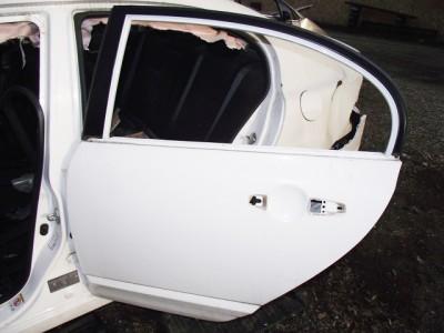 HONDA CIVIC VIII (FD. FA) 1.6 bal hátsó ajtó üresen