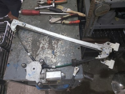 SUZUKI WAGON R+ (MM) 1.3 bal első ablakemelő szerkezet plusz motor
